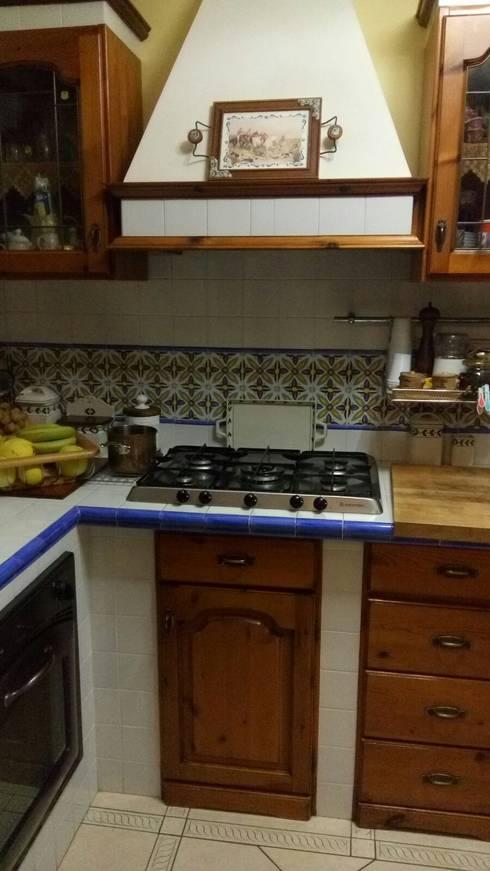 Cocinas de estilo moderno por Impresa Edile Allegretti Ernesto