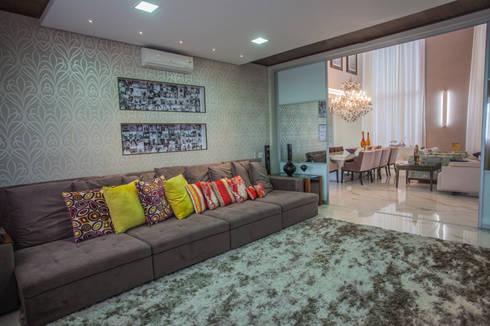Reservas do Vale: Salas de estar clássicas por Projecta Arquitetura