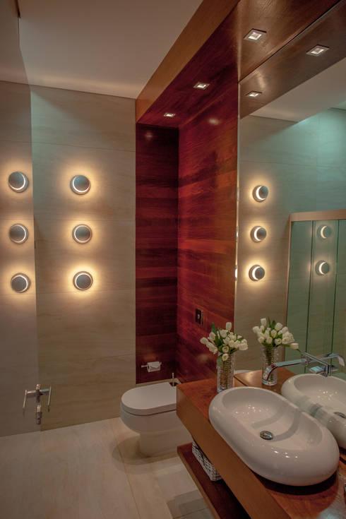 Baños de estilo  por Projecta Arquitetura