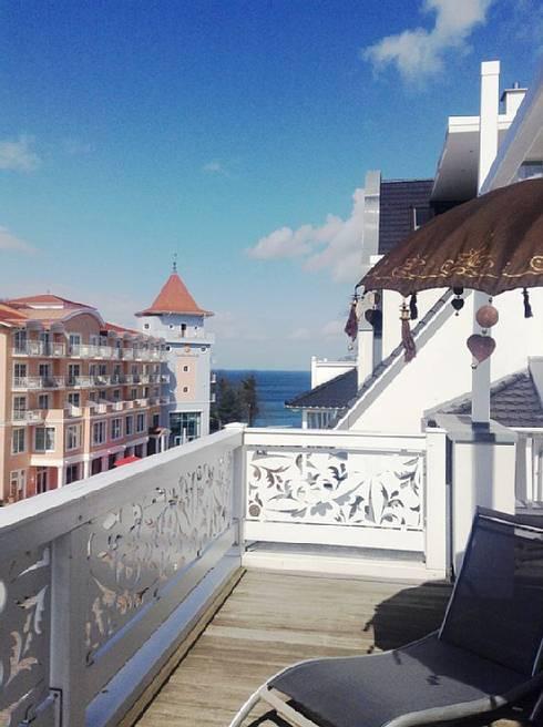 Projekty,  Balkon, weranda i taras zaprojektowane przez JWD Concept GmbH