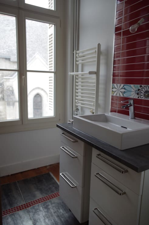 La nouvelle salle de bains : Salle de bains de style  par Christèle BRIER Architechniques