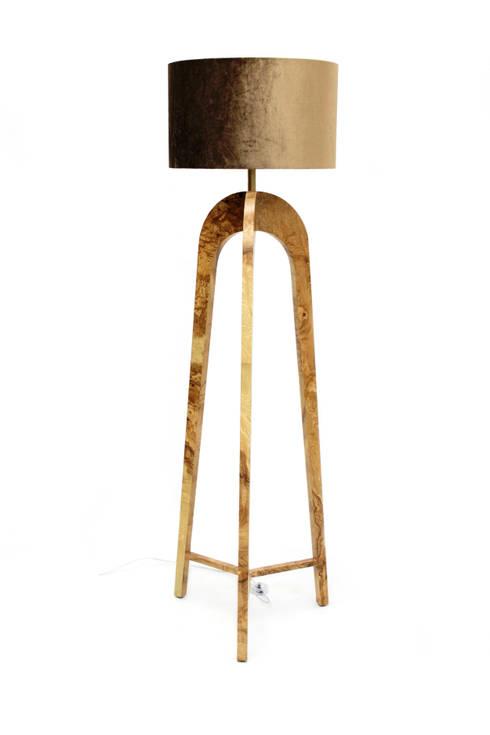 BLOW Lamp : Sala de estar  por PAULO S. ANTUNES UNIPESSOAL, LDA.