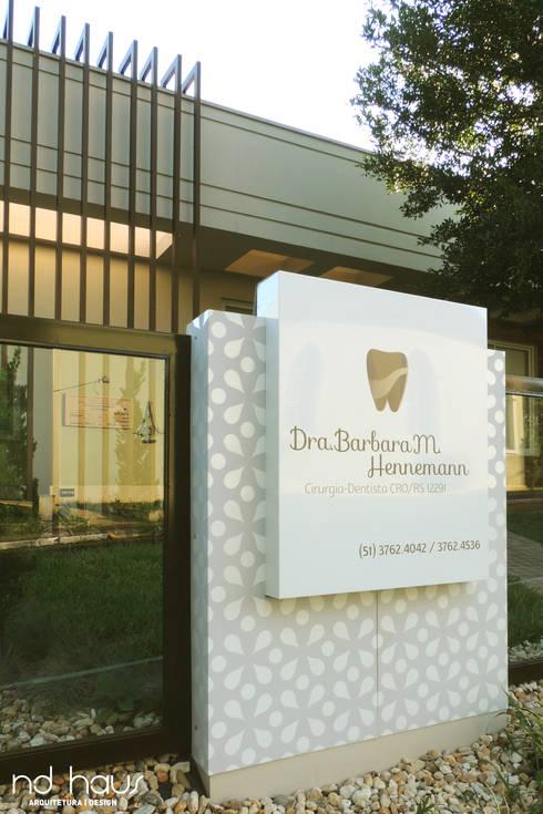consultório dentário: Espaços comerciais  por ND HAUS