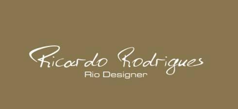 Varandas do Mar: Salas de estar modernas por Ricardo Rodrigues - Rio Designer