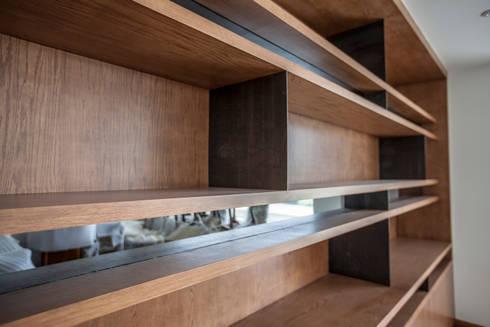 Mueble detras de comedor: Comedor de estilo  por RTZ-Arquitectos
