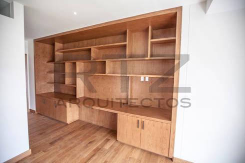 Mueble en recamara: Recámaras de estilo moderno por RTZ-Arquitectos