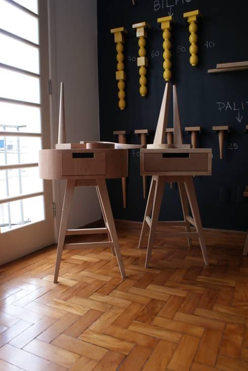 Ateliê Conceito Move Móvel: Escritório e loja  por Move Móvel  Criação de Mobiliário
