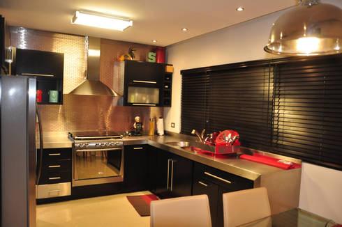 Cocina: Cocinas de estilo moderno por fc3arquitectura