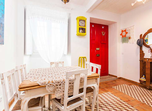Casa Sul, um lugar onde se sente a alma portuguesa. : Salas de jantar rústicas por alma portuguesa