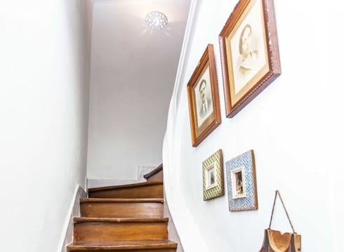 Casa Sul, um lugar onde se sente a alma portuguesa. : Corredores e halls de entrada  por alma portuguesa