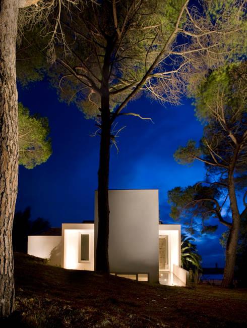 Case Bordone : Case in stile  di Maria Eliana Madonia Architetto