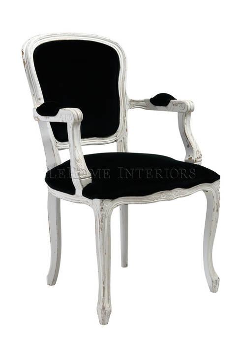Кресло A113: Гостиная в . Автор – LeHome Interiors