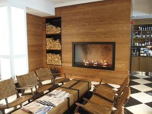 HOTEL LILLA ROBERTS, FINLAND: Sala de estar  por GlammFire