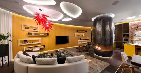 APARTAMENT IN KIEV, UCRÂNIA: Sala de estar  por GlammFire