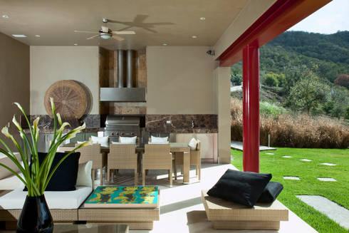 Las Estancias: Salas de estilo moderno por Adrián Martínez Arquitectos