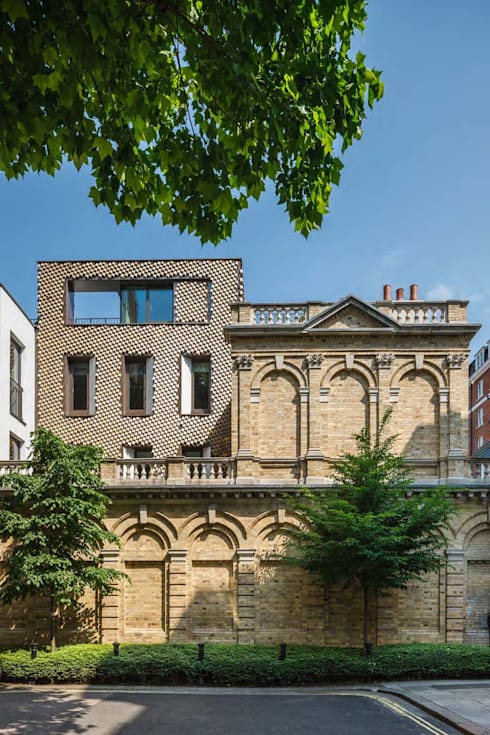 Mayfair House: modern Houses by Squire and Partners