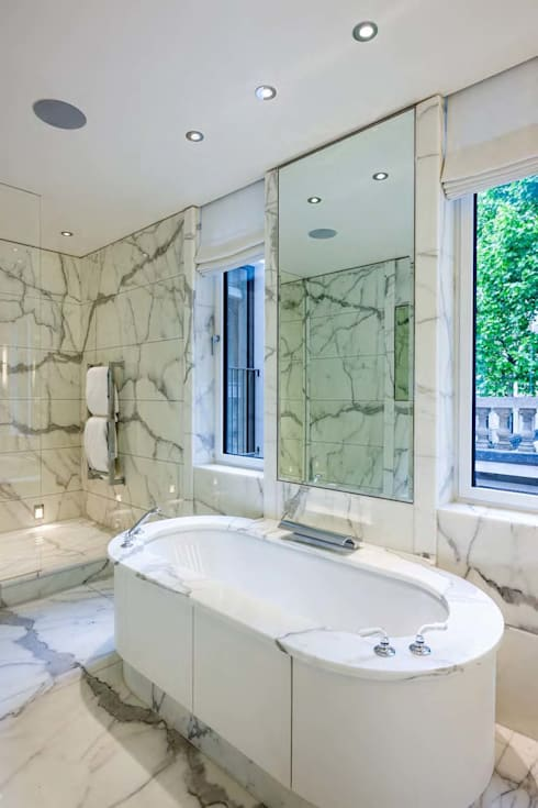 Mayfair House: modern Bathroom by Squire and Partners