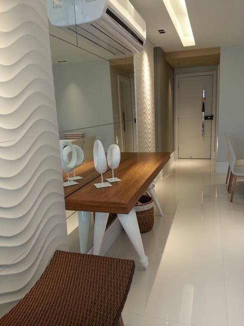 Detalhes dos revestimentos.: Salas de jantar modernas por Lucio Nocito Arquitetura e Design de Interiores