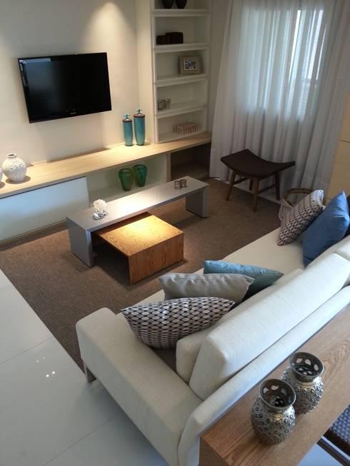 Living por Lucio Nocito Arquitetura.: Salas de estar modernas por Lucio Nocito Arquitetura e Design de Interiores