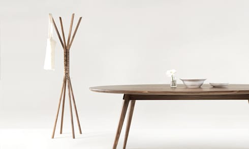 CANCAN COAT STAND: Casa  por Wewood - Portuguese Joinery