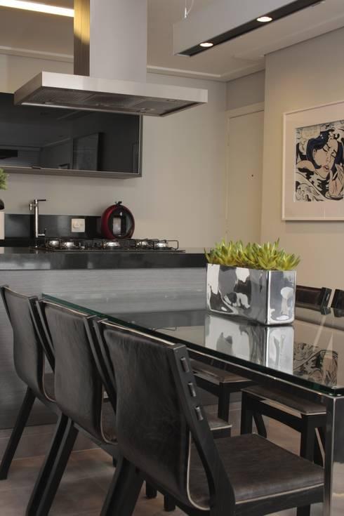 SALA DE JANTAR - Detalhe: Salas de jantar modernas por Fernanda Moreira - DESIGN DE INTERIORES