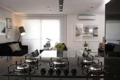 COZINHA - Cooktop: Cozinhas modernas por Fernanda Moreira - DESIGN DE INTERIORES