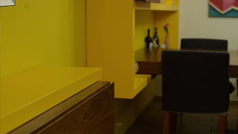 Mueble de TV y Repisas Comedor: Comedores de estilo ecléctico por Teorema Arquitectura