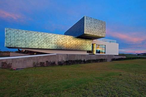Campanario: Casas de estilo moderno por Axel Duhart Arquitectos