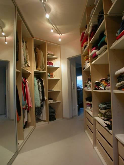begehbare kleiderschr nke por m ller wohnart homify. Black Bedroom Furniture Sets. Home Design Ideas