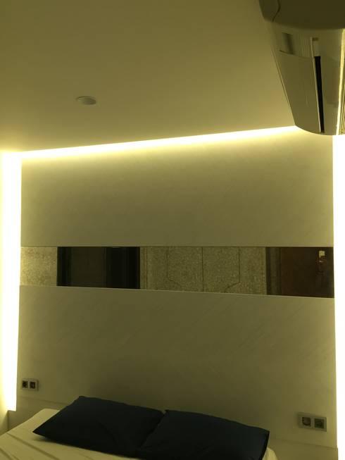 D'arc Tasarım – Boyalık Villa #33: akdeniz tarzı tarz Yatak Odası
