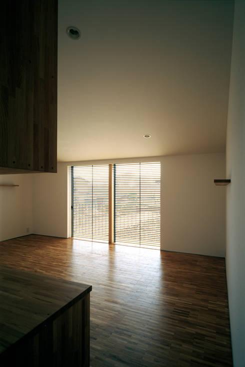 桐山和広建築設計事務所의  아이방