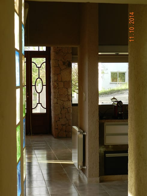 الممر والمدخل تنفيذ ART quitectura + diseño de Interiores. ARQ SCHIAVI VALERIA
