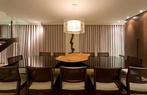 Apartamento AD: Salas de jantar modernas por Isabela Canaan Arquitetos e Associados