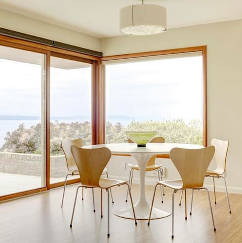 modern Dining room by HOLACASA