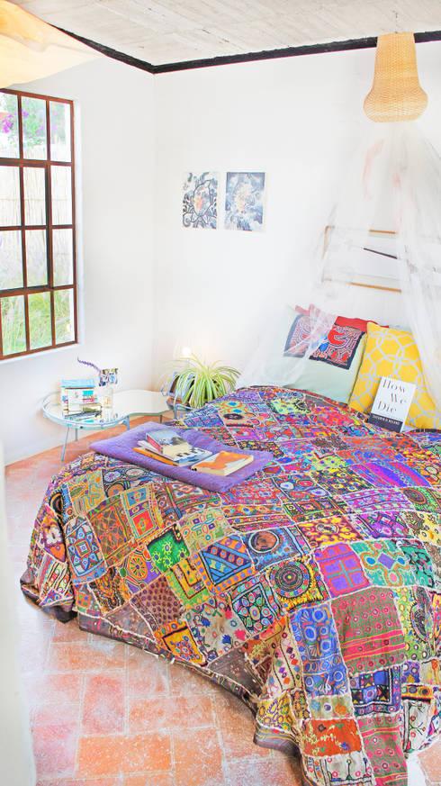 Dormitorios de estilo moderno de Juan Carlos Loyo Arquitectura