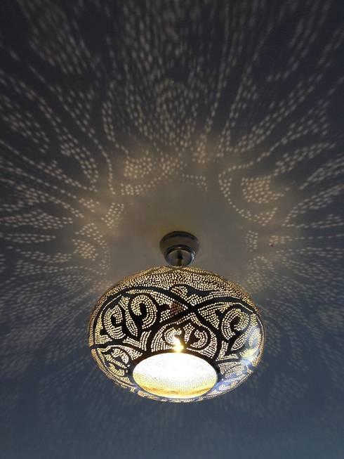 eclectic Bedroom تنفيذ Oriental Moon