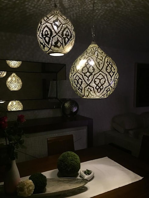 eclectic Dining room تنفيذ Oriental Moon