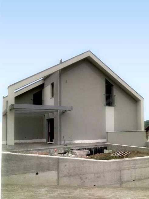 Casa unifamiliare di fabio licciardi architetto homify for Casa unifamiliare tradizionale
