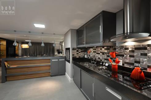 Apartamento EL: Cozinhas modernas por Tamara Rodriguez Aquitetura