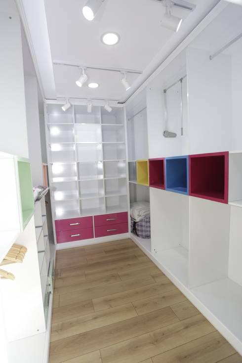 Murat Aksel Architecture – Housing: modern tarz Yatak Odası
