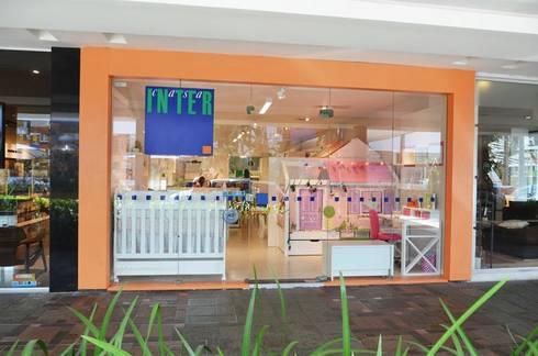 Vitrine Showroom Casa Shopping - RJ: Lojas e imóveis comerciais  por INTERCASA MÓVEIS INFANTIS E JUVENIS