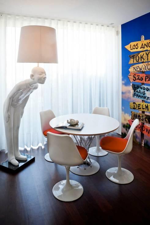 Moradia na Aguda | 2013: Cozinhas modernas por Susana Camelo