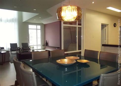 Sala de Jantar / Estar: Salas de jantar modernas por Barros Campesi Arquitetura