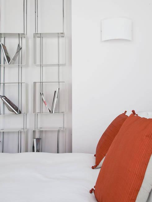 Zambala Luxury Residence-Milano: Camera da letto in stile  di Giada Marchese-architetto & hospitality designer