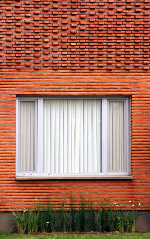 Casas modernas por AGUIRRE+VAZQUEZ