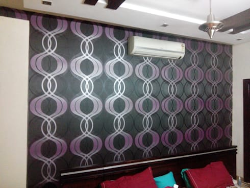 Elegant Wall Covering..: modern Bedroom by Decor At Door