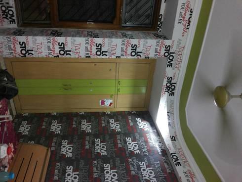 Teenager Bedroom.. : modern Bedroom by Decor At Door