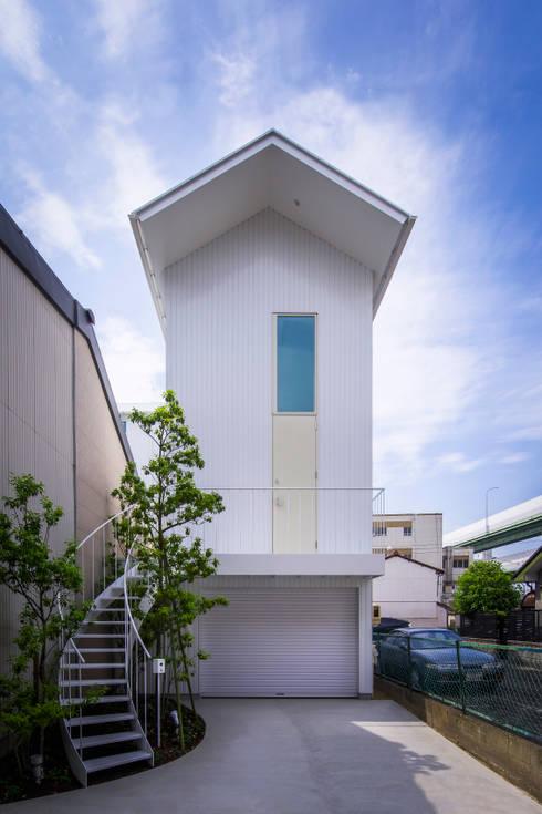 Дома в . Автор – Nobuyoshi Hayashi