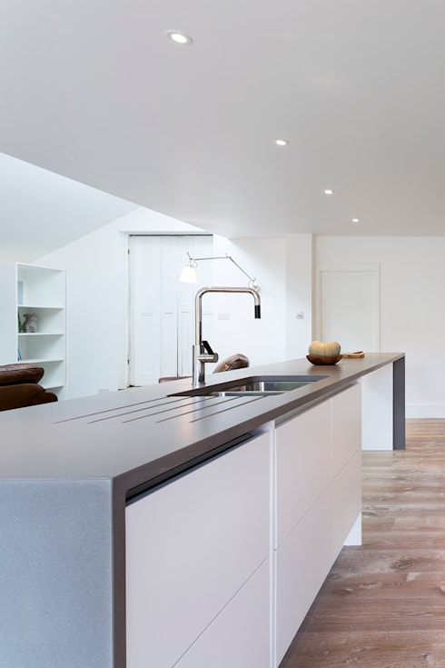 Harefield Road: modern Kitchen by Gruff Limited