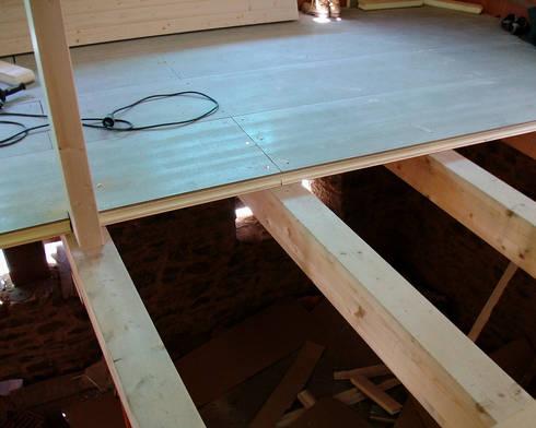 Panel entreplanta en friso abeto de panelestudio homify - Panel madera cemento ...